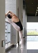 出售套图:高清拍摄的美少女的舞蹈白袜摆拍,让你进入全新的世界!【377P】